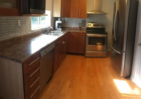 New Westminster, 2 Bedrooms Bedrooms, ,1 BathroomBathrooms,Villa,For Rent,1041